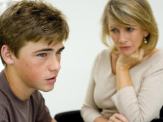 Kod tinejdžera besne hormoni? Ne ratujte s njima!